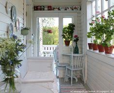 Elämää pohjolassa Wonderful Dream, Nordic Interior, Geraniums, Scandinavian, Childhood, Farmhouse, Cottage, Summer, Home
