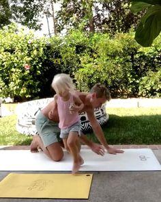 Yoga Flow, Yoga Meditation, Yoga Works, Academia Fitness, Couple Photoshoot Poses, Cool Yoga Poses, Yoga For Kids, Yoga Sequences, Kids Health