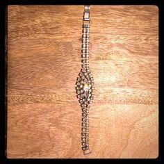 Vintage rhinestone bracelet Beautiful rhinestone bracelet with no loose or missing stones Jewelry Bracelets