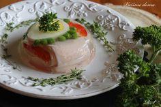 4 natvrdo vařená vejce 150 g sterilované zeleniny (hrášek, červená paprika, může být ale i čerstvá a nebo mražená) 4 plátky šunky 2 lžíce strouhaného křenu 4 lžíce zakysané smetany 1 sáček želatiny (návod na sáčku) Postup: Do misek vypláchnutých … Celý příspěvek → Panna Cotta, Appetizers, Cooking, Ethnic Recipes, Finger Food, Red Peppers, Food Food, Kitchen, Dulce De Leche