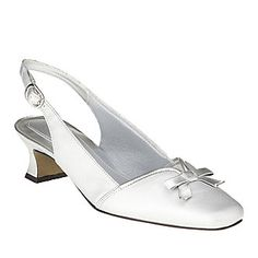 Incredible comfort doesn't mean giving up style. This classic slingback pump from Easy Street is crafted with an Easy Flex® footbed that bends with the motion of your foot for an easier walk. This is a great shoe choice for weddings, holiday parties, bridal showers and more.