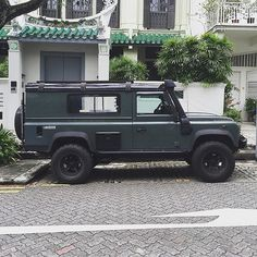 Ambling through the back streets of Singapore came across this beauty. #Landrover #Defender 110""