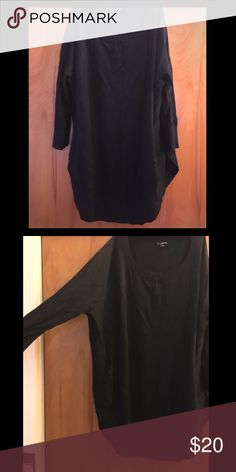 Oversized Black Express Sweater Super comfy! Bundle with the sparkly leggings for 10% off!! Express Sweaters