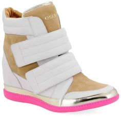 8028658ce5 ♥THESE♥SHOES♥WERE♥MADE♥FOR♥WALKING♥ Mulheres Modernas