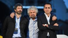 """Il racconto della lite su Italicum, premier e firme false. E Grillo: """"Non ci sono correnti. Chi non ci sta è fuori"""""""
