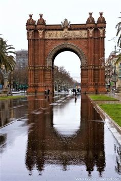 This Beautiful Arc De Triomf Was Built For The 1888 Barcelona Universal Exposition Which Took Place At Parc La Ciutadella