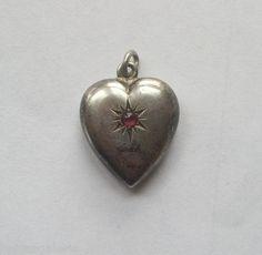 Biedermeier Herz Anhänger Silber roter Stein Puffy Heart Charm Bettelarmband TOP € 16,45