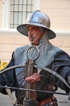 Corteo Storico Medievale di Iglesias: balestriere