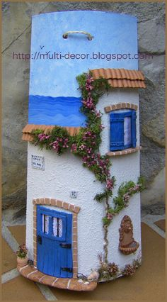another example of the delightful detail to a miniature handmade world. Looking at these creations, I'm always taken back to my interests prior to high school; Tile Crafts, Clay Crafts, Diy And Crafts, Arts And Crafts, Ceramic Houses, Clay Houses, Miniature Houses, Theme Noel, Fairy Houses