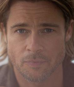 Brad Pitt photographed by Greg Williams - 2013 Brad Pitt And Angelina Jolie, Jolie Pitt, Pretty Men, Beautiful Men, Beautiful People, Brad Pitt Images, Brat Pitt, Greg Williams, Handsome Actors