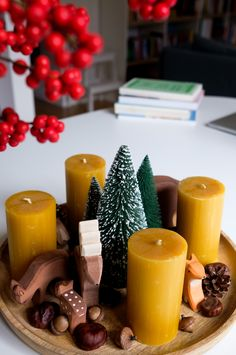 Advent wreath – Advent wreath XXL fresh noble copper cones – a unique product by fleuromantic on DaWanda DIY How To Make Christmas Tree, Christmas Mood, Modern Christmas, Rustic Christmas, Merry Christmas, Christmas Tables, Nordic Christmas, Reindeer Christmas, Shell Candles