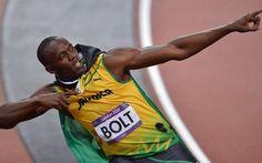 bolt grande. vince i 100 metri grandissimo bolt. il giamaicano è riuscito a vincere per la terza volta consecutiva i 100 metri alle olimpiadi. Usain Bolt fa tripletta. E' riuscito a vincere i 100 metri a Pechino 2008, Londra 2012  #bolt #sport #olimpiadi #rio