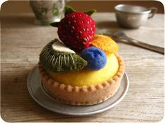 simply amazing felt fruit tart