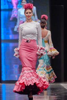 Traje de Flamenca - De-lunares-y-volantes - Pasarela-Flamenca-Jerez-2016