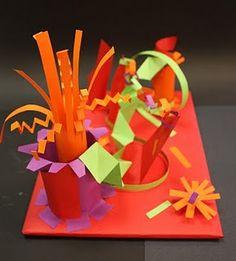 paper sculpture: teaches fine motor, folding, and construction skills. Sculpture Lessons, Sculpture Projects, Sculpture Ideas, Sculpture Garden, Book Sculpture, 3d Art Projects, School Art Projects, Kindergarten Art, Preschool Art