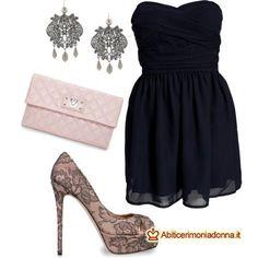Vestito blu scuro scarpe nero