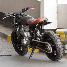hope you enjoy the cafe racer inspiration. Honda Scrambler, Cafe Racer Honda, Cafe Bike, Cafe Racer Bikes, Cafe Racer Motorcycle, Motorcycle Garage, Yamaha, Tracker Motorcycle, Moto Bike