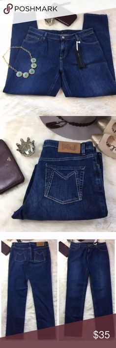 """NWT MBMJ Marc Jacobs Vintage Denim Mom Jeans 28 Perfect vintage style blue jeans. New with tags from our favorite designer Marc Jacobs. Rise 9.5"""". Waist 16"""". Inseam 29""""  Let me know if you have any questions. Bundles encouraged. Marc By Marc Jacobs Jeans Straight Leg"""