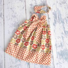 Love this dress.  I should make it for my granddaughter for the Spring.
