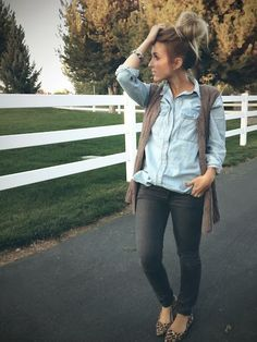 Light, long cover up over denim shirt, skinnies and printed flats.