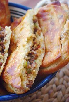 R'ghaifs au four Plus Morrocan Food, Middle East Food, Algerian Recipes, Ramadan Recipes, Beignets, Arabic Food, Food Inspiration, Love Food, Food Porn