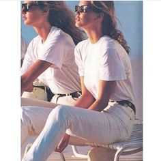 Michaela Bercu and Claudia Schiffer 80s And 90s Fashion, Look Fashion, Retro Fashion, Vintage Fashion, Elle Fashion, Style Retro, Style Vintage, 80s Style, Mode Vintage