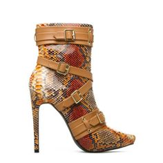 Corsia....this boot is doing something to me. Ladies this is a good look