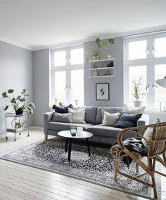 deco salon blanc avec un canapé gris, superbes fauteuils blancs ...