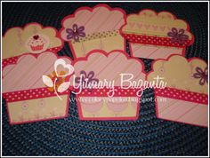 tarjetas en forma de cupcake, tarjetas personalizadas infantiles