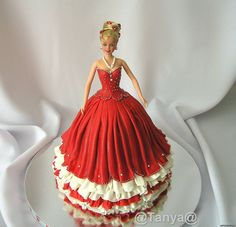 Barbie cake, fine workmanship, graceful scale, waist size preserved, elegant embellishment details.