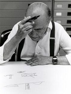 """""""La vida siempre me pareció más importante que la arquitectura""""   Oscar Niemeyer. (Photo - Sergio Amaral) #arquitectura"""