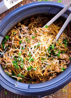 Easiest Slow Cooker Chicken and Spaghetti is a true 10 hour crockpot chicken spaghetti recipe with whole wheat pasta, tomato sauce and spices.   ifoodreal.com