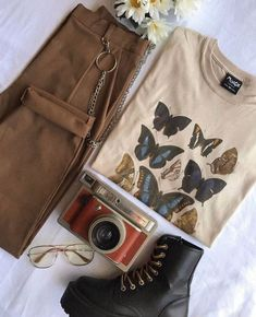 The Perfect Outfit ? - Anziehsachen - The Perfect Outfit ? Vintage Outfits, Retro Outfits, Cute Casual Outfits, Grunge Outfits, Outfits For Teens, Mode Grunge, Grunge Look, Aesthetic Fashion, Aesthetic Clothes