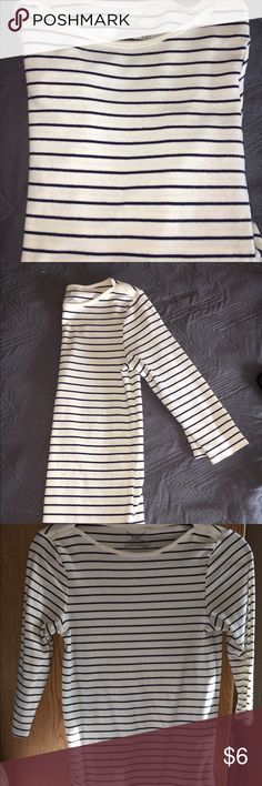 Faded Glory Navy Striped Boatneck Shirt Gently used Faded Glory size XS navy and white striped boatneck shirt. 3/4 length sleeves. Hits a few inches below waist, and super cute on! Faded Glory Tops Tees - Long Sleeve