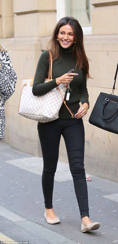 Michelle Keegan - casual style - super skinny Leigh jeans from Topshop sz 25 Michelle Keegan Dresses, Michelle Keegan Style, Louis Vuitton Neverfull Damier, Neverfull Gm, Love Fashion, Fashion Outfits, Winter Fashion, Casual Outfits, Fashion Trends