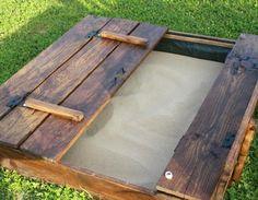 un homme fabrique un bac sable avec bancs rabattables pour son neveu sf globe jardinages. Black Bedroom Furniture Sets. Home Design Ideas