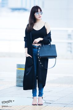 Snsd Tiffany airport fashion style