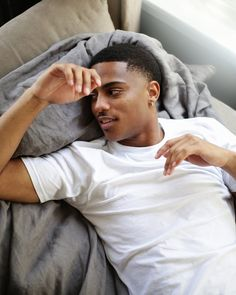 Maybe it's just me I don't know but I really think Keith Powers is the love of my life. I've been crushing hard since 2014 . I really need to chill tf out 😭😩😓. Cute Lightskinned Boys, Cute Black Guys, Cute Guys, Pretty Boys, Just Beautiful Men, Gorgeous Black Men, Beautiful Men Faces, Fine Black Men, Fine Men