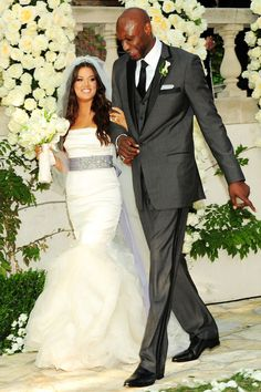 Image from http://live.drjays.com/wp-content/uploads/2011/08/Khloe-Kardashian.jpg.
