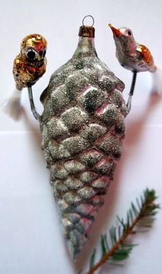 ️Antique Pinecone with 2 Birds Figural Christmas Ornament. Mannequin Christmas Tree, Christmas Bird, Woodland Christmas, Christmas Past, Retro Christmas, Vintage Holiday, German Christmas Decorations, Antique Christmas Ornaments, Vintage Ornaments