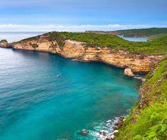 Pantai Tanjung Ringgit Lombok yang selalu memukau. lihat objek wisata laiinya di http://lomboktourplus.com