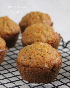 Cake Muffins Carrot Cake Muffins-the great flavor of Carrot Cake in a muffin!Carrot Cake Muffins-the great flavor of Carrot Cake in a muffin! Muffin Recipes, Baking Recipes, Cake Recipes, Dessert Recipes, Quick Dessert, Brownie Desserts, No Bake Desserts, Chocolate Chip Cookies, Chocolate Muffins