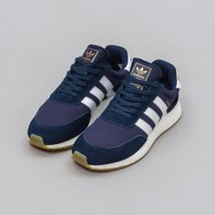 … Adidas Iniki Runner in Collegiate Navy – Notre Adidas Iniki Runner, Adidas Sneakers, Shoes Sneakers, Street Chic, Cute Shoes, Dapper, Kicks, Footwear, Classy