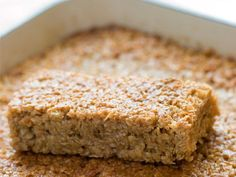 Making these to feed my strength training class tomorrow morning, post-workout! Yum! 20 Perfect Workout Snacks: Rice bars with peanut butter and maple syrup http://www.prevention.com/food/healthy-eating-tips/20-perfect-workout-snacks?s=6