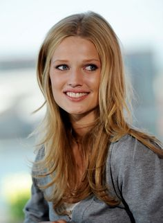 Toni Garrn, Girl Pictures, Hair Makeup, Long Hair Styles, Celebrities, Face, Beauty, Beautiful, Scale Model