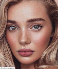 possibly the most beautiful eyes in the world Blonde Green Eyes, Green Hair, Beauty Makeup, Hair Beauty, Blonde Hair Makeup, Most Beautiful Eyes, Simply Beautiful, Blending Eyeshadow, Bridesmaid Makeup