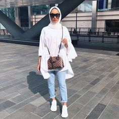Shop the Lulus formal dress collection for your next special occasion. Hijab Fashion Summer, Modest Fashion Hijab, Modern Hijab Fashion, Street Hijab Fashion, Modesty Fashion, Hijab Fashion Inspiration, Muslim Fashion, Mode Inspiration, Hijab Casual