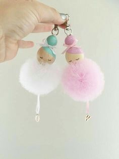 S e Idee Anh nger f r die Handtasche basteln l Ballerina bag charm Sc Mode Mode S e Idee Anh nger f r die Handtasche basteln l Ballerina bag charm Sc Mode Mode Goretti Martinez ambigorsl nbsp hellip Peg Doll, Diy For Kids, Crafts For Kids, Pom Pom Crafts, Clothespin Dolls, Fairy Dolls, Wooden Beads, Diy Gifts, Etsy