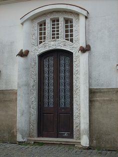 doors  Puerta Colonial Colonia, Uruguay