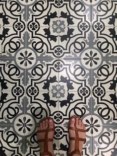 Bad news: Laundry is never-ending. Good news: This pattern tile can cheer up your Laundry Room! 🏠: Berry Builders, L. Bossier City, Cheer Up, Bad News, Porcelain Ceramics, Tile Patterns, New Construction, Laundry Room, Berry, Neutral